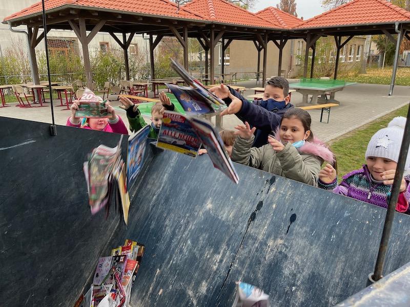 Regenbogenschule Taucha, Förderverein Regenbogenschule, Grundschule Taucha, Spenden, Charity, Verein Taucha, Kindern helfen, Altpapier sammeln, Guter Zweck
